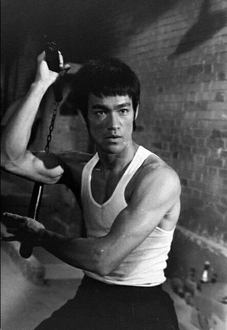 [Resim: Bruce-Lee.jpg]